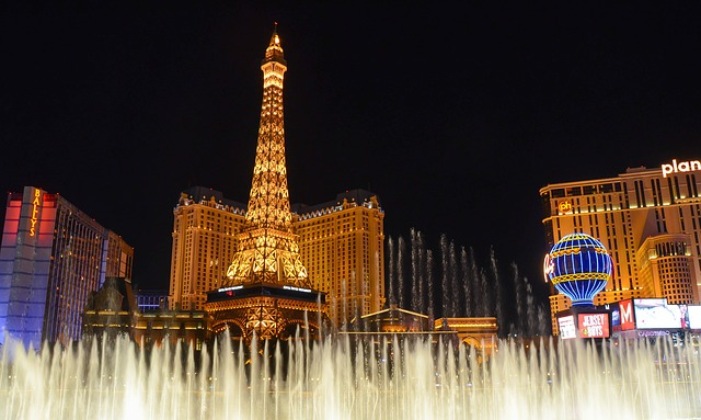 Towers and beautiful buildings will make you enjoy living in Las Vegas.