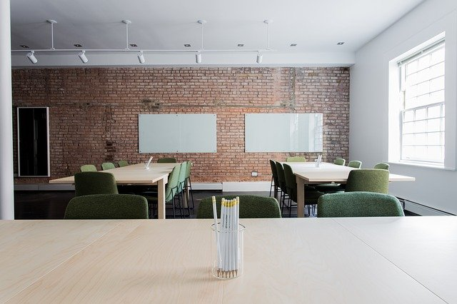 Office space - Find out is this the end of open space offices and how to handle the change.